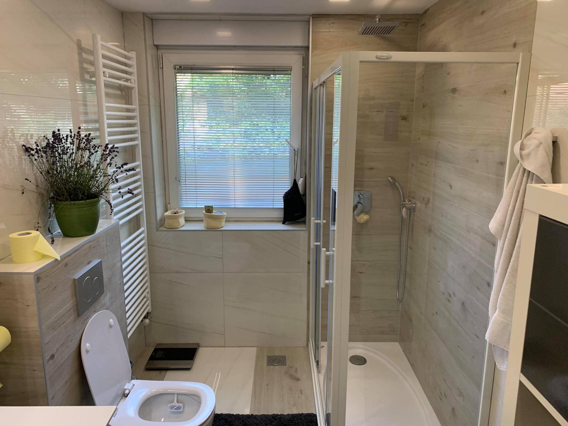 REFERENCES – bathroom ceramics, italian ceramics, Media Solucia